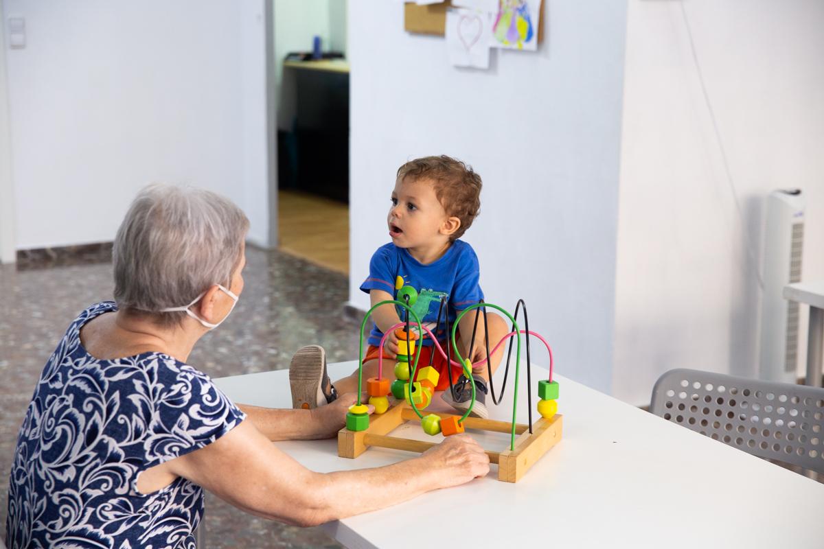 escuelas para pequeños y mayores